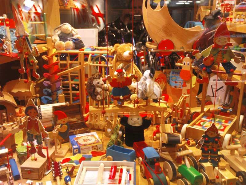 Spielzeug schaufenster tice 39 weblog daily junk for friends for Laden schaufenster